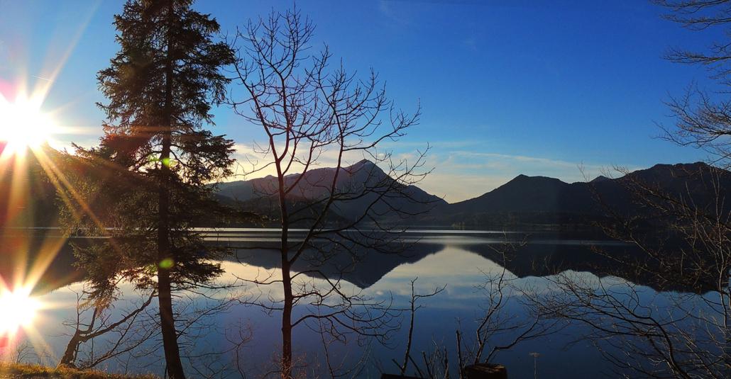 Der Walchensee im schönsten Herbstlicht